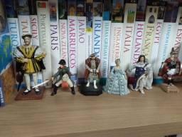 Bonecos de personagens históricos