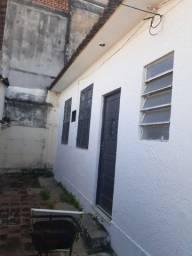 Rocha Miranda,  casa fundos independente  sala 01 quarto  em rua fechada