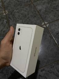 iPhone 11 white 128gigas