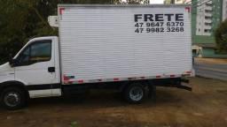 Caminhão disponível para frete