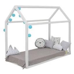 Mini cama Montessoriana - 100% MDF Formato Casinha