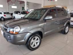 "Hyundai Tucson 2.0 GLS * Impecável - duvidamos igual"" - 2015"