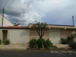 Casa à venda, 3 quartos, 1 suíte, 7 vagas, Tibery - Uberlândia/MG