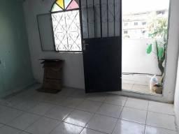 Aluga-se quartos no alvorda não paga água nem luz