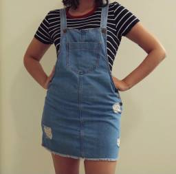 Jardineira jeans - Tamanho M