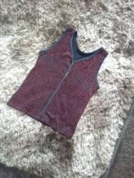 Blusa vermelha brilhante tamanho M