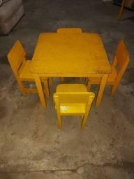 Título do anúncio: Cadeira escolinha com mesa