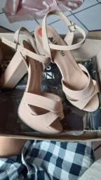VENDO sandália nude