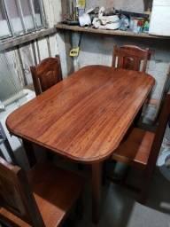 Mesa de Sucupira com 4 cadeiras