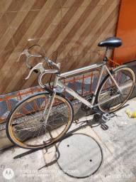 Bicicleta Caloi 10 quadro de alumínio polido