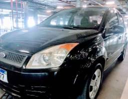 Ford Fiesta Sedan 1.0 completo 2009
