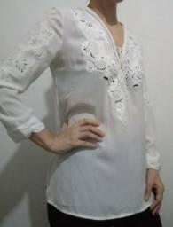 Título do anúncio: Blusa Social branca bordada M