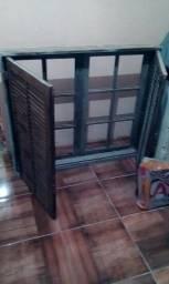 2 janelas de madeira