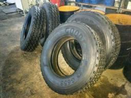 2 pneus recapados Novos.