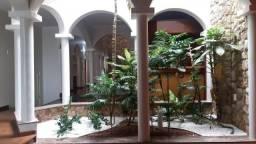 Casa com 4 dormitórios para alugar, 300 m² por R$ 3.500/mês - São José - Franca/SP