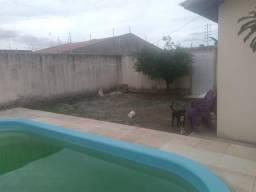 Alugo Casa com piscina