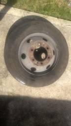 Vende se pneu de micro com completo