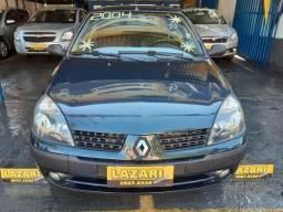 Renaut Clio Sedan Privilege 1.0 Completo - 2004