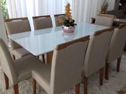 Mesa Trípoli com 8 cadeiras de madeira