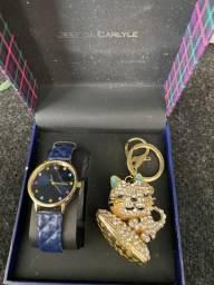 Relógio e chaveiro importados