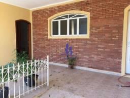 Título do anúncio: Casa com 4 dormitórios à venda, 180 m² por R$ 380.000,00 - Vila Giunta - Bauru/SP