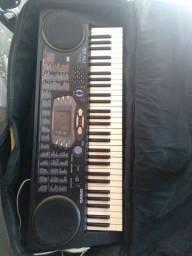 Vendo esse teclado interessado entre em contato comigo pra negociar