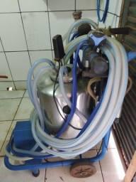 Ordenhadeira com Tanque Resfriador 600L