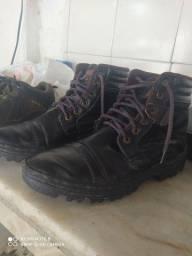 2 pares de sapato, de ótima qualidade, seminovos !