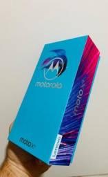 Moto X4 impecável completo na caixa .