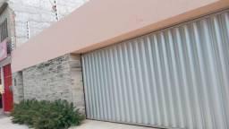 Casa para venda possui 263 metros quadrados com 4 quartos em Rodolfo Teófilo - Fortaleza -