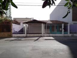 Murano Imobiliária aluga casa comercial de 3 quartos na Praia de Itapoã, Vila Velha - ES.