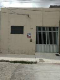 Casa N° 264 na av. Senador joão Lira Jaguaribe