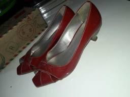 Sapato Vermelho com salto seminovo N°37