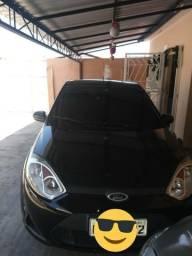 Carro de mulher Fiesta hatch 1.0 - 2012