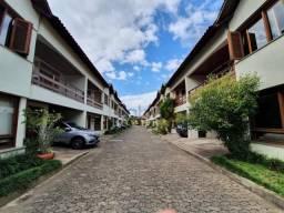 Casa Residencial com 3 dormitórios e 2 vagas em condomínio no bairro Tristeza