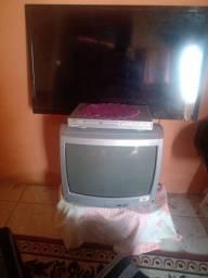 Título do anúncio: Tv semp de tubo e um aparelho dvd funciona perfeitamente bem conservado!!