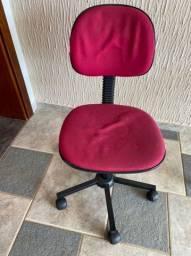 Cadeira de Escritorio Giratória