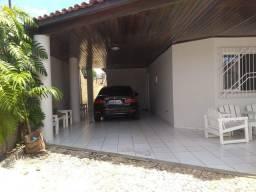 Exc casa no Santa Isabel com 3 Q sendo 1 suítes