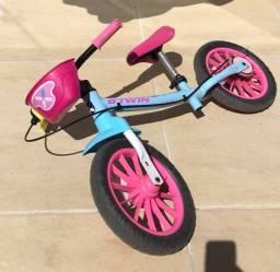 Título do anúncio: Vendo bicicleta sem pedal excelente para criança ter equilíbrio!