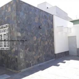 Casa Comercial para Locação em Taubaté, Centro, 5 dormitórios, 1 suíte, 3 banheiros, 6 vag