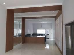 Instalação de pisos em geral e serviço de pedreiro, ladrilheiro, bombeiro e pintor.