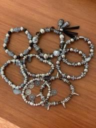 Mix pulseiras boho prateada e preta