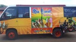 microônibus montado para trabalho