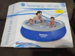 Vende-se piscina 1000 litros