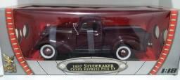 Studebaker pick UP  1/18 Roadsignature ,  Ótimo preço