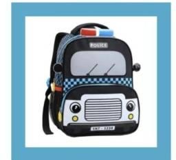 mochila com o tema policia