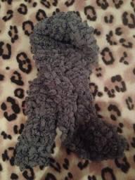 Cachecol cinza de lã
