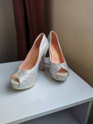 Sapato Peep Toe Invoice Prata-  n°35 / ideal para noivas e debutantes.