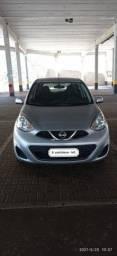 Título do anúncio: Vende-se Nissan March 2016 completo