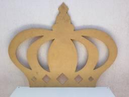 Coroa Grande MDF Crú / Decoração De Festas / Dimensões : 77cm  x  98cm  x  0,7cm